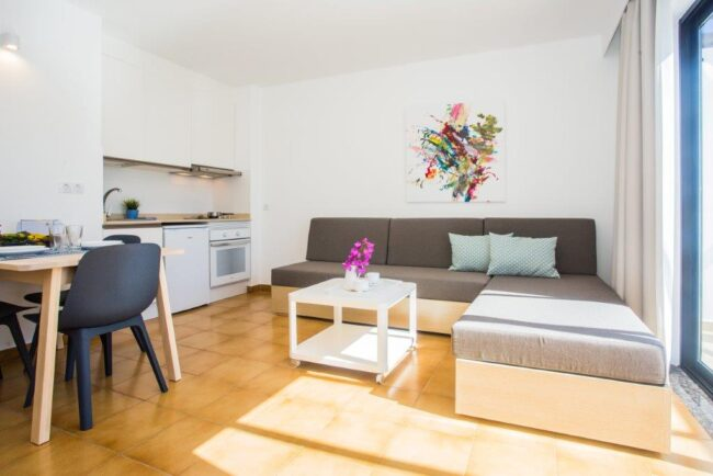 Apartment with pool view (1 bedroom) 2 single beds- sofabed (1-3 pax)-3